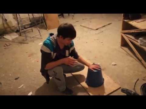 видео: Как размотать бухту кабеля и не перекрутить его. Используем подручные средства.