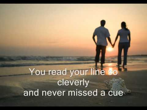 ARE YOU LONESOME TONIGHT?  -  Elvis Presley  (w/ Lyrics)