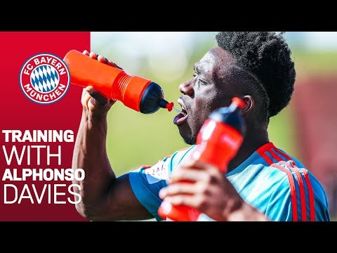Alphonso Davies: New FC Bayern Youngster in Action!