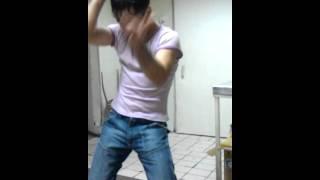 Узбек танцует ! Борян !