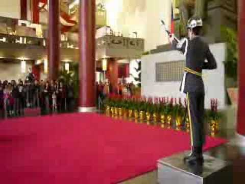 Sun Yat-sen Memorial Hall - changing of the guards