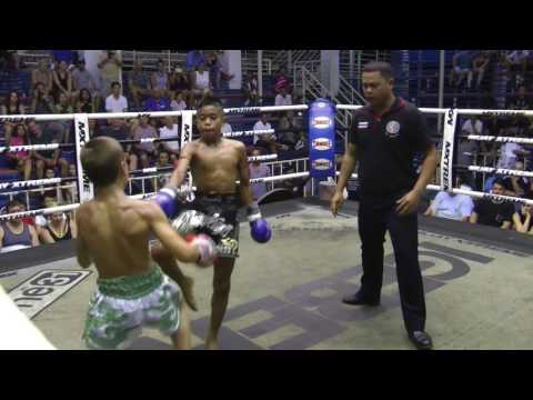 Daniel from Russia (Sinbi Muay Thai) fights at Bangla Boxing