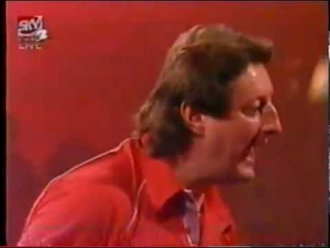 Eric Bristow 141 Checkout then shouts at Phil Taylor's face - 1997 PDC World Championship