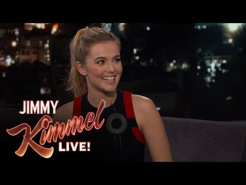 Zoey Deutch's Weird Relationship with Ryan Seacrest fragman
