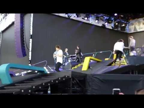 One Direction - Strong and Better Than Words (Horsens, Denmark 16.06.2015)