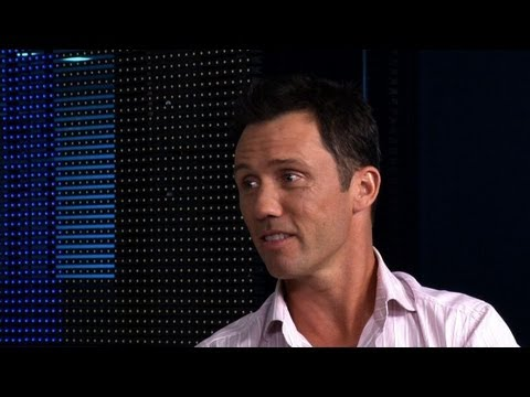 'Burn Notice' Star Jeffrey Donovan on Jail Breaks, Death & Directing