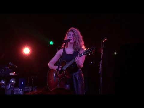 Tori Kelly - Coffee (11/16) - Hiding Place Tour Los Angeles
