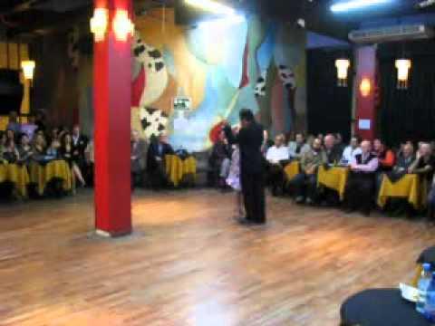 Cumple de Luis Rojas, Baila con Tati