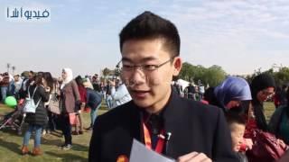 بالفيديو : الطائرة الورقية الصينية حرفة يدوية تصنع سعادة الطفل