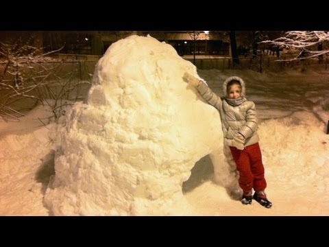 How To Build An Igloo - Time-Lapse