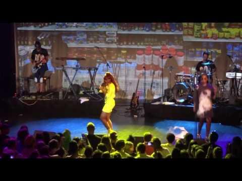 Santigold - Say Aha (Live)