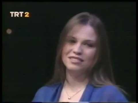 """Elif GÖKALP ~ Sevgi Herşeydir """"Love is Everything"""" (Muammer SUN)"""