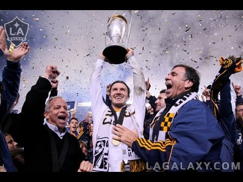 Former Galaxy midfielder David Beckham announces his retirement from professional soccer