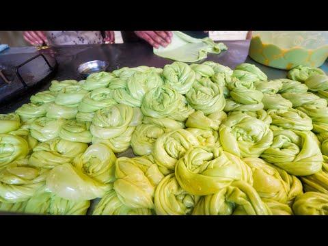 Street Food Bangkok - 60 Kg CURRY + SPECIAL ROTI with Chef Gaggan