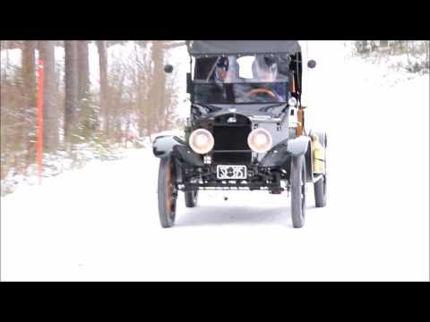 PEDAL CAR TANDEM VELOCIPEDE  IN FINNISH WINTER