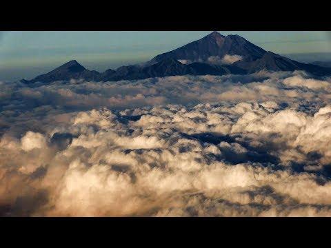 AirAsia A320 Landing Lombok