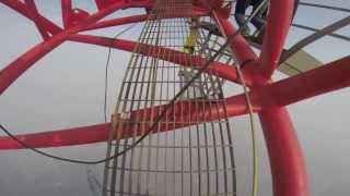 Русские парни взобрались на небоскреб Shanghai Tower, высота 650 метров!!!