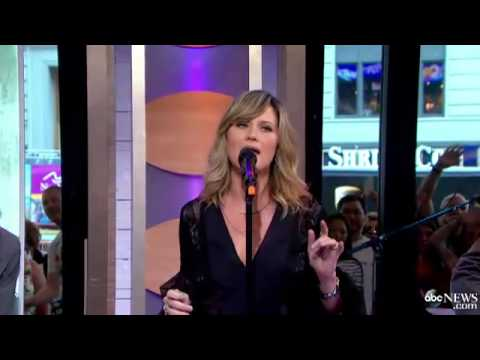 Jennifer Nettles - That Girl[Live]