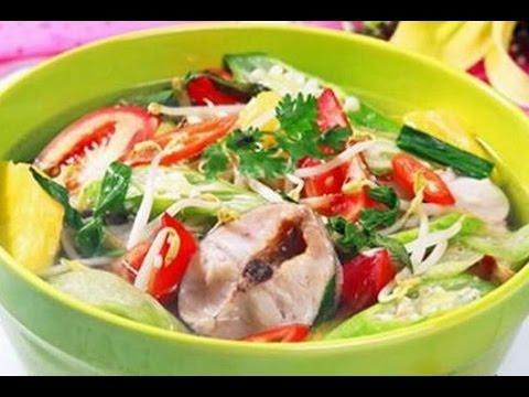 Nồi hầm xương làm phở điện giúp món canh chua cá bông lau ấn tượng hơn
