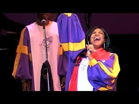 "Glory Gospel Singers ""We Shall Overcome"""