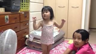 毎日毎日歌う凛音2才 芦田愛菜ちゃん大好きです.