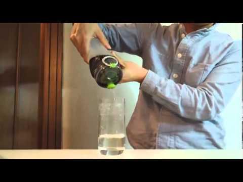 Lọc nước ra khỏ Cocacola