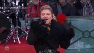 Kelly Clarkson - Heat at the NBC Macy's Thanksgiving Day Parade 2018