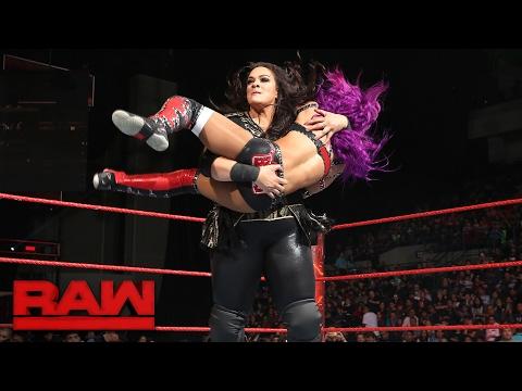 Sasha Banks vs. Nia Jax: Raw, Jan. 30, 2017