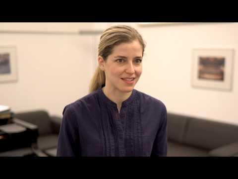 Karina Canellakis dirigiert Belá Bartók