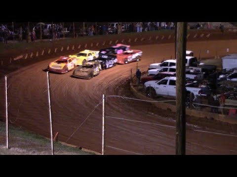 Hobby Race opening night at the Winder Barrow Speedway. - dirt track racing video image
