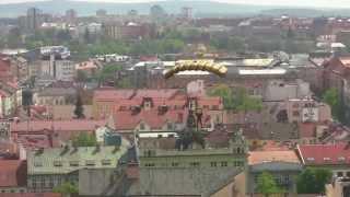 Aeroklub Plzeň-Bory seskok na Plzeňské náměstí