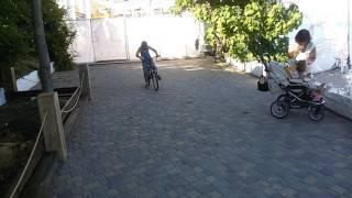 Обучение езде на велосипеде мальчик 9 лет в Одессе