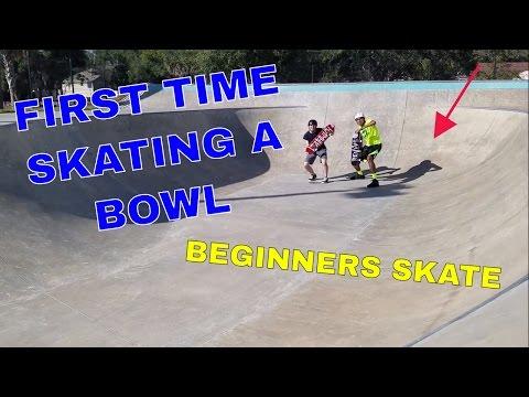 FIRST TIME SKATING A BOWL (Day 2 at Skatepark) | BEGINNERS SKATE