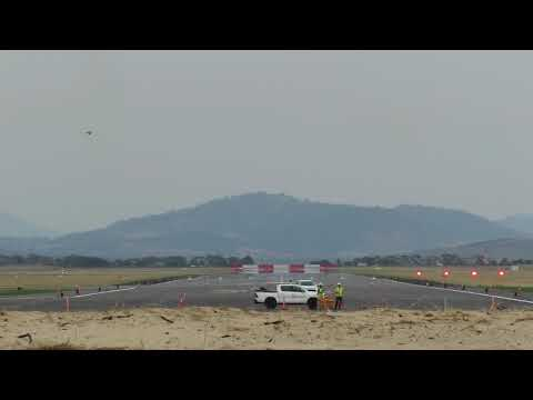 FA18 Hornets at Hobart International Airport - Spectacular Arrival