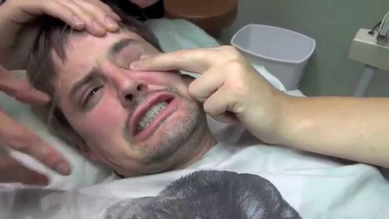 Painful Eyebrow Threading Youtube