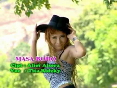 Tita Ridzky - Masa Bodo (Dangdut Mix)