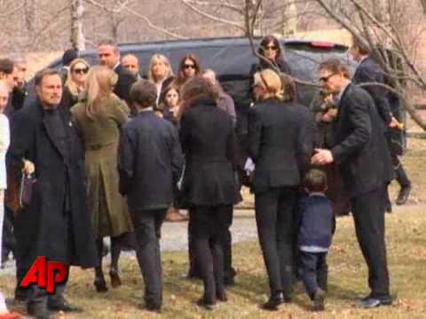 Natasha Richardson Buried Near Upstate NY Home - YouTube