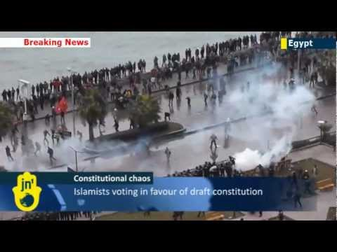 Egyptian constitution referendum: Islamists clash with Sharia law opponents in mass brawl