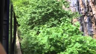 Поезд в Калавриту - Греция, Пелопоннес с TEZ TOUR(Только на полуострове Пелопоннес можно прокатиться на поезде-зубастике по самой узкой железной дороге..., 2014-05-26T14:24:33.000Z)