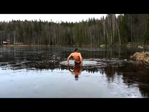 Ice bath at frozen lake in Sweden water temp 2°C/35.6°F #16