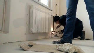 Замена батарей отопления(Замена батарей отопления и установка радиатора отопления рифар монолит 500 газосварка. http://radiatorvam.ru., 2016-02-04T07:44:44.000Z)