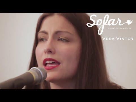Vera Vinter - Snön Faller Och Vi Med Den (Ulf Lundell Cover) | Sofar Stockholm