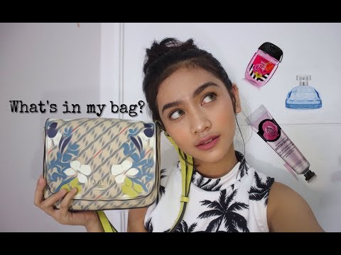 WHAT'S IN MY BAG?! | Sarah Tuffahati {bahasa}