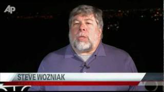 Wozniak Tearfully Remembers His Friend Steve Jobs