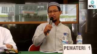 Video Bedah buku strategi dua lengan (Materi Ust Bambang Sukirno) download MP3, 3GP, MP4, WEBM, AVI, FLV Oktober 2019