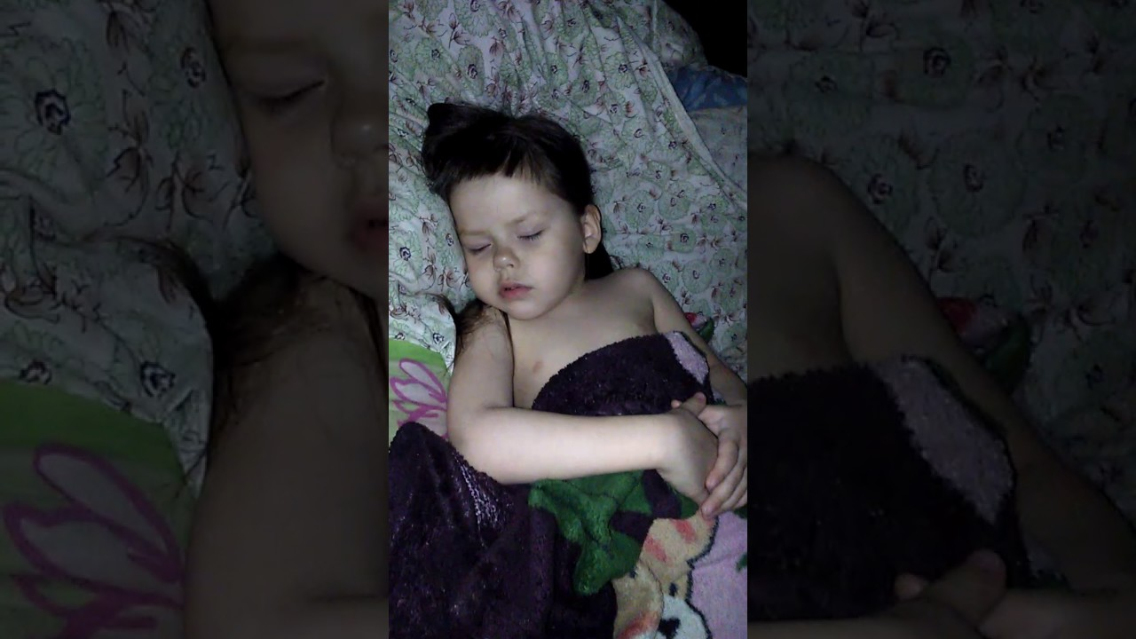 Сын облапал и трахнул спящую маму