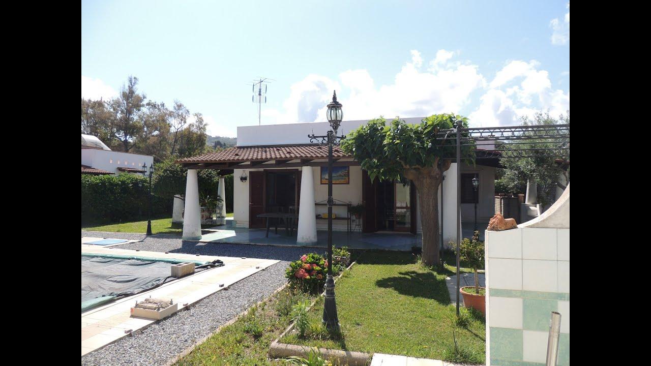 Villa In Vendita Con Giardino E Piscina Youtube
