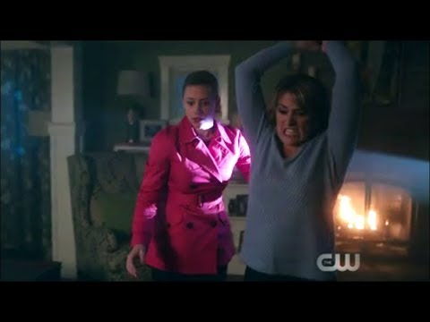 Hal Tries To Kill Alice And Betty Knocks Him Out! - Riverdale 2x21 'FP Is A Real Man!'