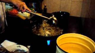 Как приготовить сазана в кисло-сладком соусе.AVI