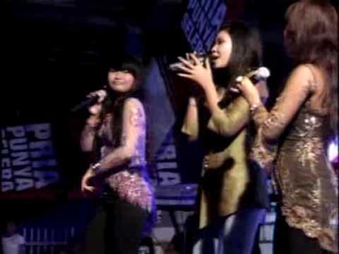 Tua Tua Keladi - San's Band feat Trio Manis.flv